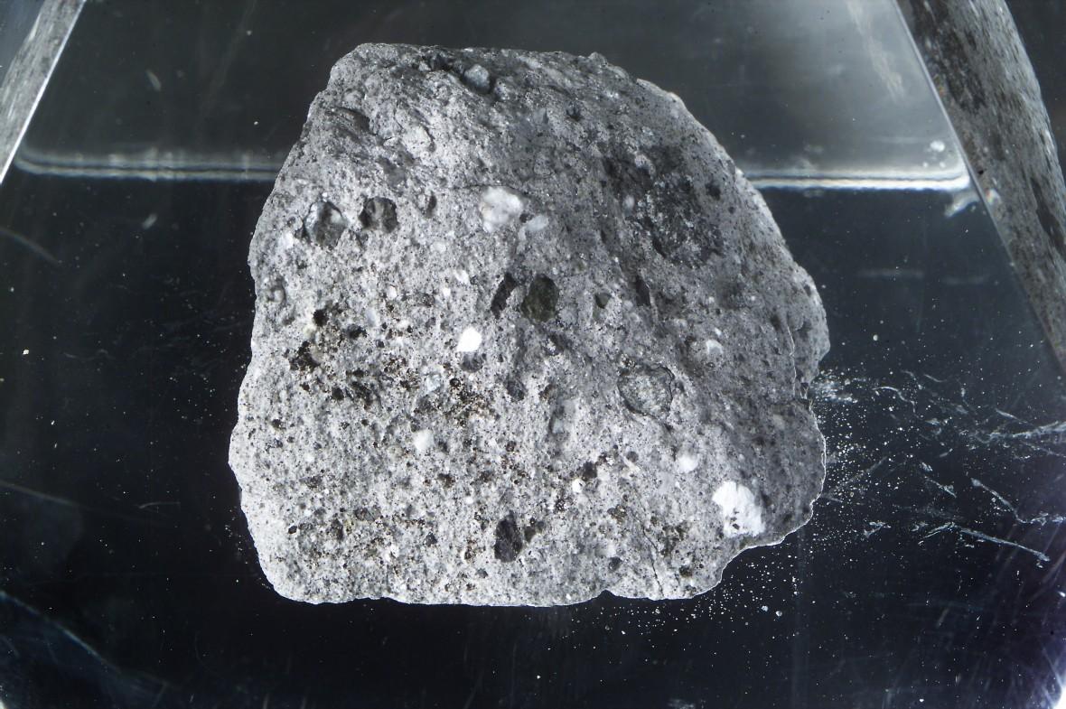 apollo-16-moon-rock